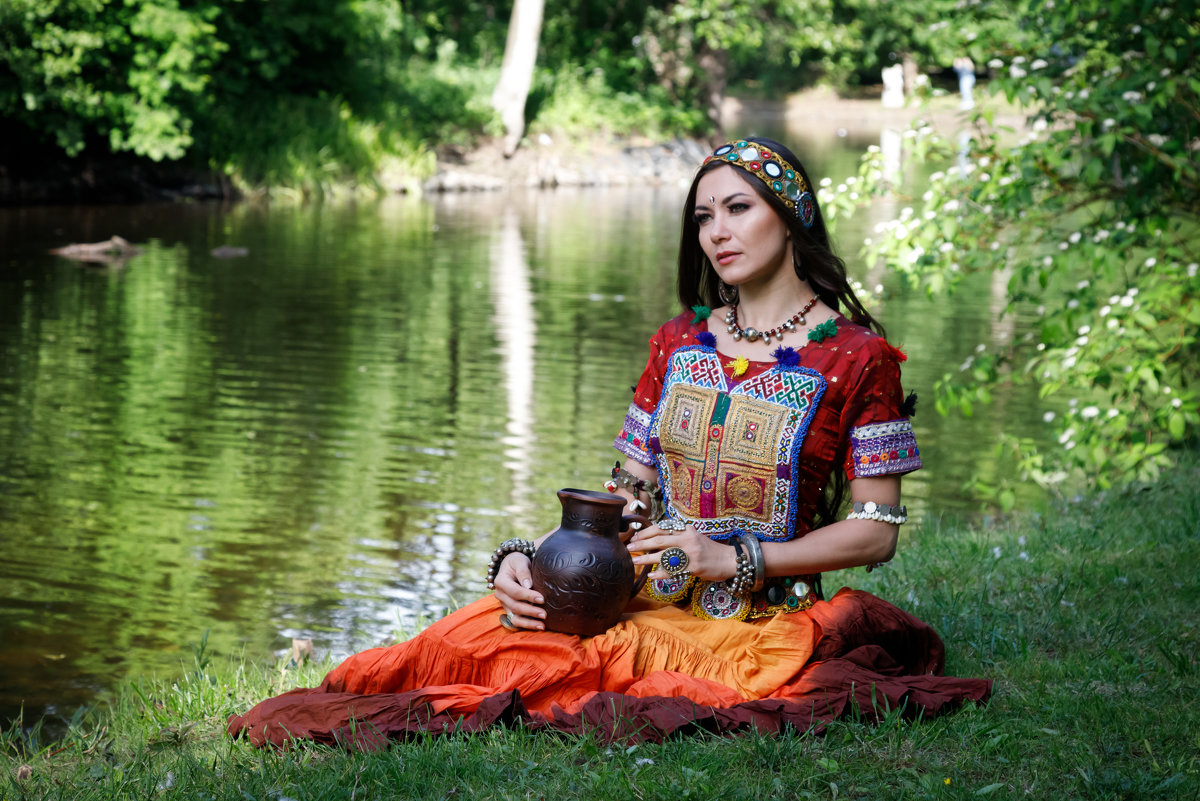 Красивые и интересные картины Девушка с кувшином - сборка 9