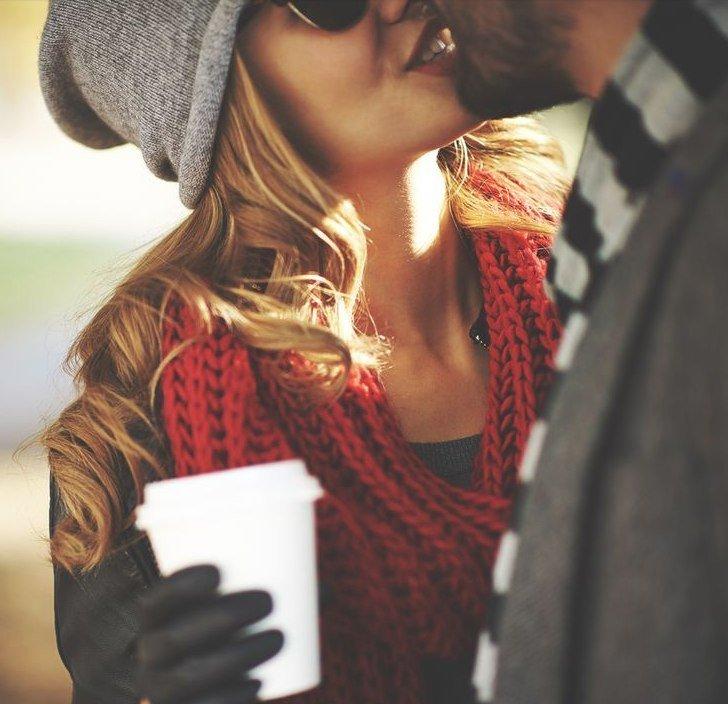 Красивые картинки влюбленной парочки в Новый год - подборка 7
