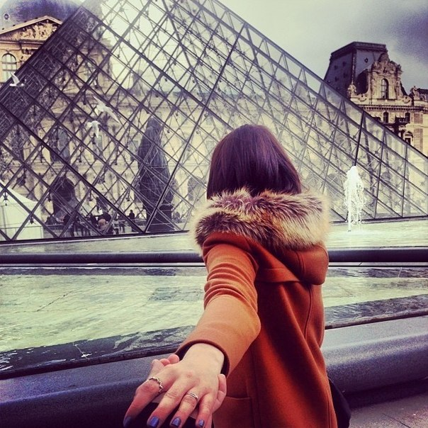 Красивые картинки на аву девушка тянет парня за руку - подборка 17