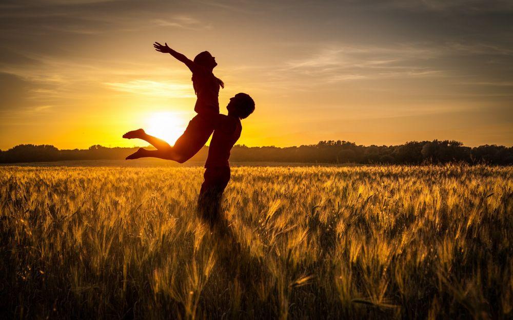 Парень держит девушку на руках - красивые фото и картинки 13