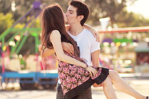 Парень держит девушку на руках - красивые фото и картинки 21