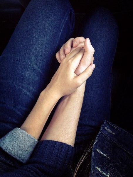Руки девушки и парня - фото. Парень и девушка держатся за руки, фото 18