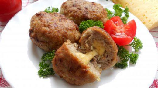 Свиные сочные котлеты с начинкой из моцареллы - рецепт 1