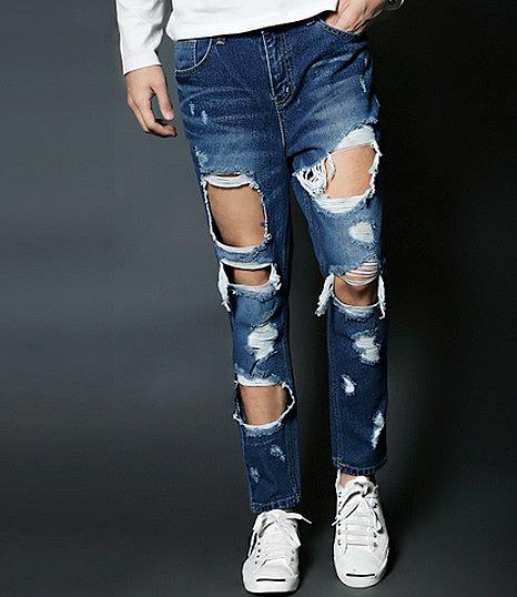 Как носить рваные джинсы, с чем они лучше всего сочетаются 3