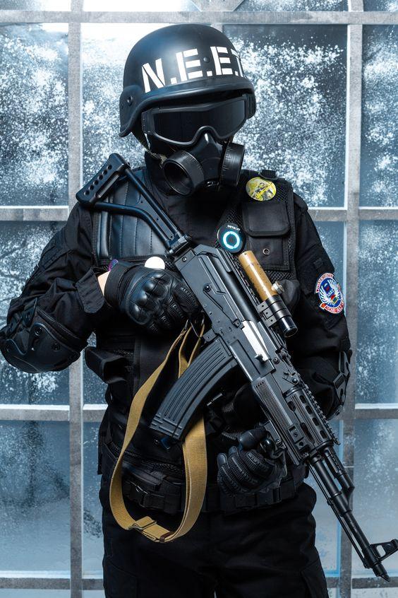 Классные обои на телефон с людьми и оружием - подборка 3