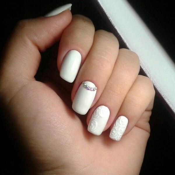 Красивые фото дизайна белых ногтей - подборка 25 картинок 1