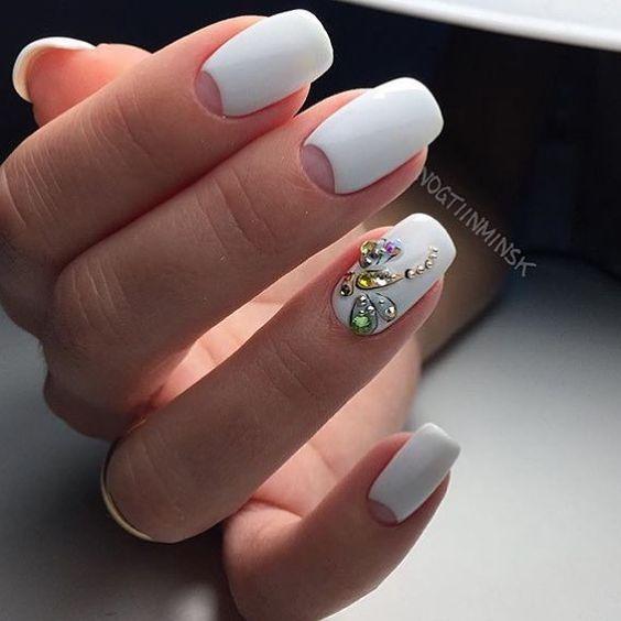 Красивые фото дизайна белых ногтей - подборка 25 картинок 6