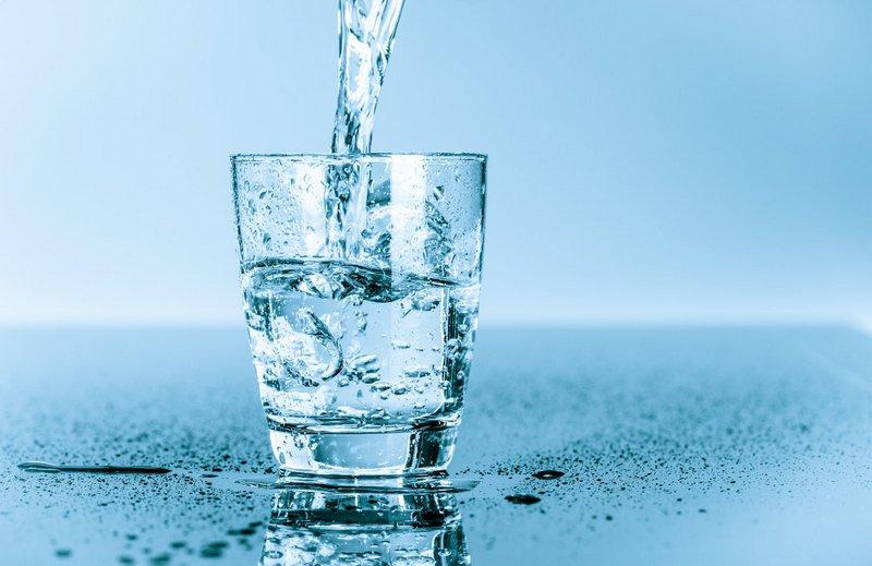 Можно ли пить дистиллированную воду Плюсы и минусы 1