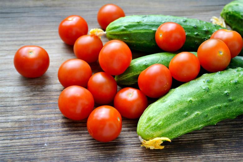 Почему в одной теплице нельзя вместе сажать томаты и огурцы 1