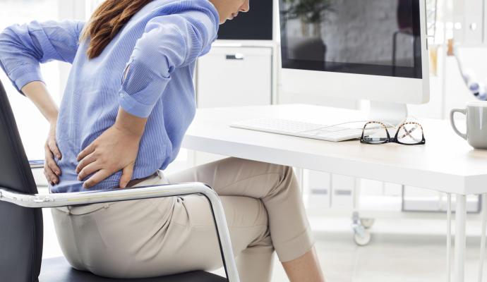 Что делать, если тяжело стоять и сидеть из-за болей в спине 3
