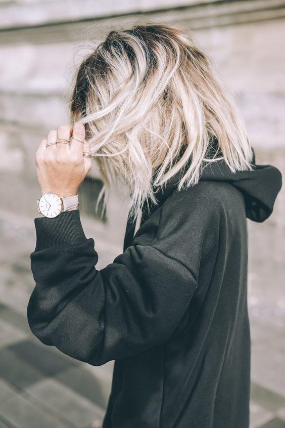 Девушки с короткими волосами - фото и картинки на аву 10