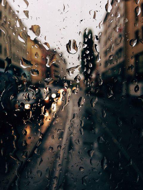 Красивые и удивительные картинки дождя для заставки - подборка 14