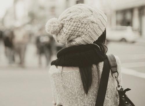 Фото девушек зимой со спины 14