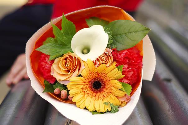 Красивые букеты из живых цветов - фото, картинки, удивительные 14