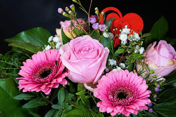 Красивые букеты из живых цветов - фото, картинки, удивительные 20