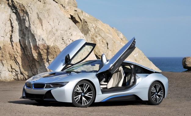 BMW i8 - красивые фото, картинки и фото салона автомобиля 1