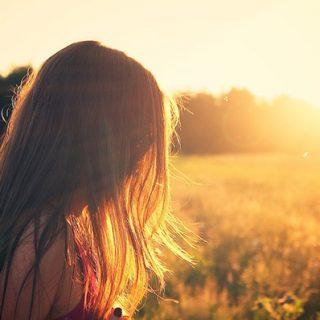 Красивые и удивительные картинки девушек на закате - смотреть бесплатно 15
