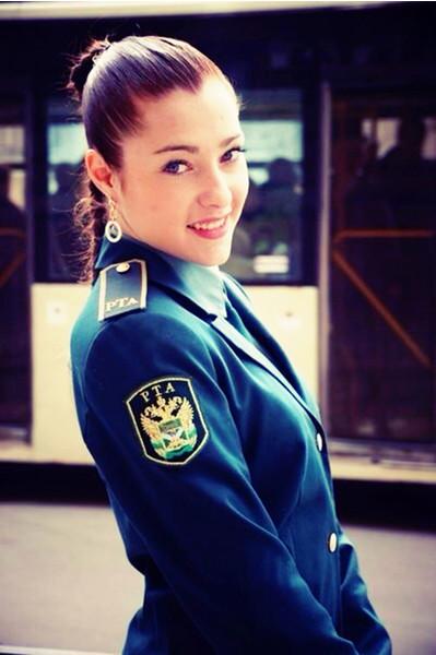 Красивые девушки в форме полиции - смотреть фото бесплатно 7