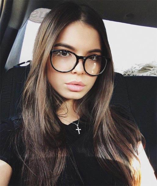 Красивые и очаровательные девушки из соцсетей 3