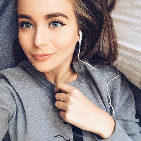 Красивые и очаровательные девушки из соцсетей 7