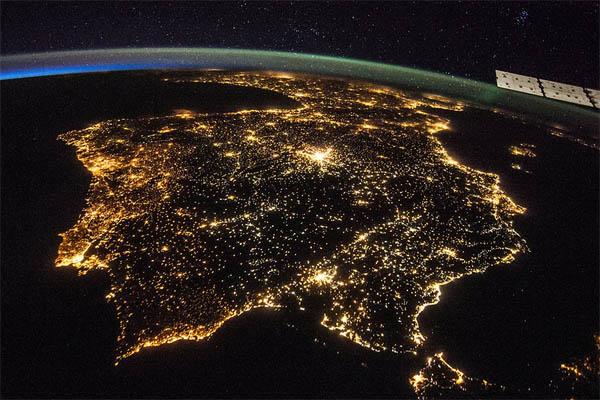 Красивые картинки земли из космоса - для детей, прикольные 11