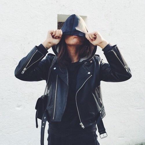 Классные и крутые картинки на аватарку в ВК для девушек 18