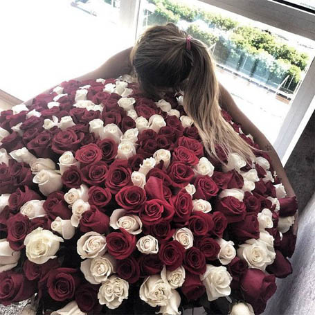 Девушки с цветами на аву - красивые, прикольные, классные, крутые 6