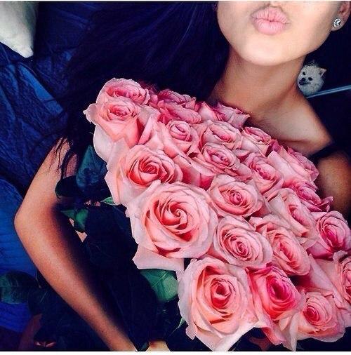 Девушки с цветами - фото на аву, аватарку, скачать бесплатно 13