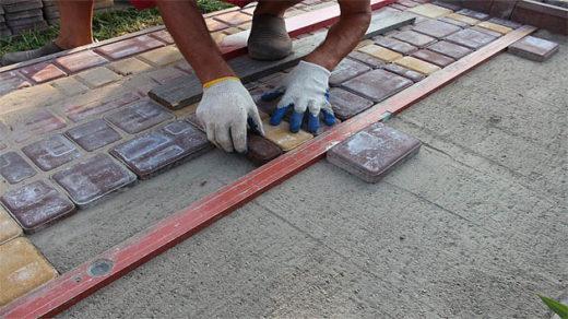 Для чего нужна тротуарная плитка и как её укладывать 4