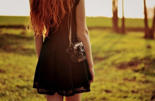 Классные и крутые картинки на аватарку для девушек со спины 4
