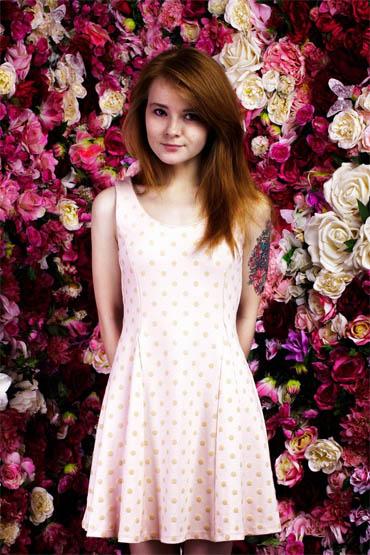 Красивые фото девушек с цветами - скачать, смотреть бесплатно 10