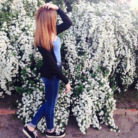 Девушки на аву без лица с цветами - красивые, прикольные, крутые 13