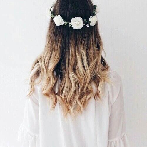 Девушки со спины с цветами на аву - красивые, классные, прикольные 3