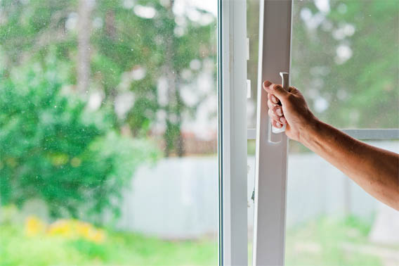 Как починить пластиковое окно самостоятельно - варианты ремонта 1