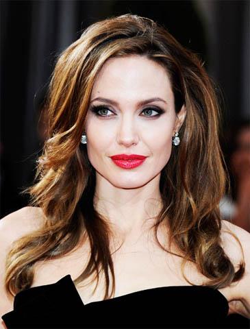 Анджелина Джоли - биография, личная жизнь, фото, новости, дети 1