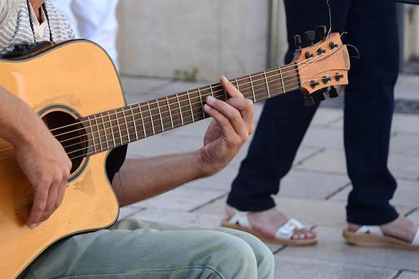Как быстро научиться играть на гитаре с нуля - эффективные советы и видео 7
