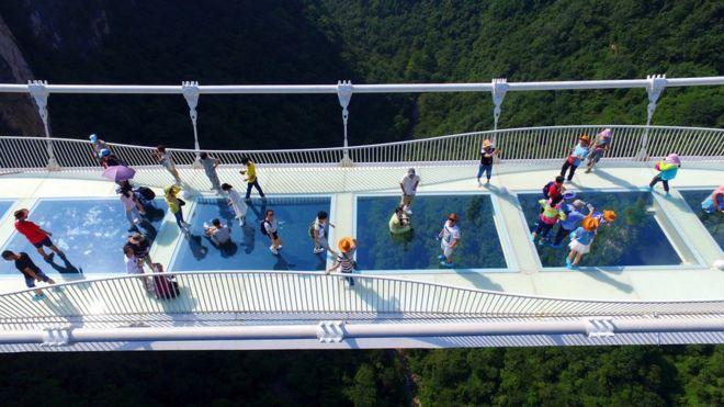 Стеклянный мост в Китае - удивительные и невероятные фото, видео 4