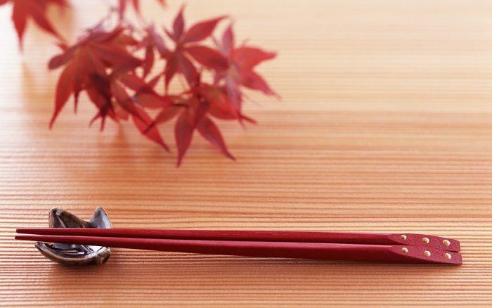 Как правильно пользоваться китайскими палочками для суши - основные советы 1