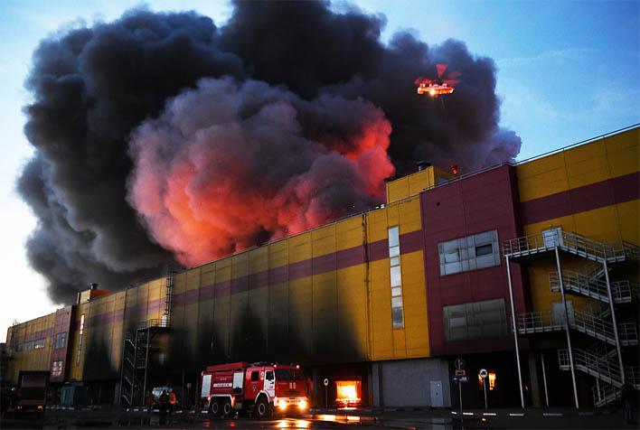 Крупный пожар строительного рынка Синдика - новости, информация 1