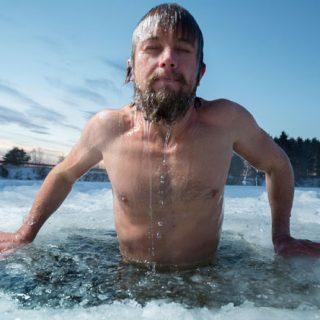 Как правильно закаляться холодной водой - с чего начать и что делать 2