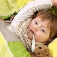 Как быстро сбить температуру у ребенка - способы и лекарства 1