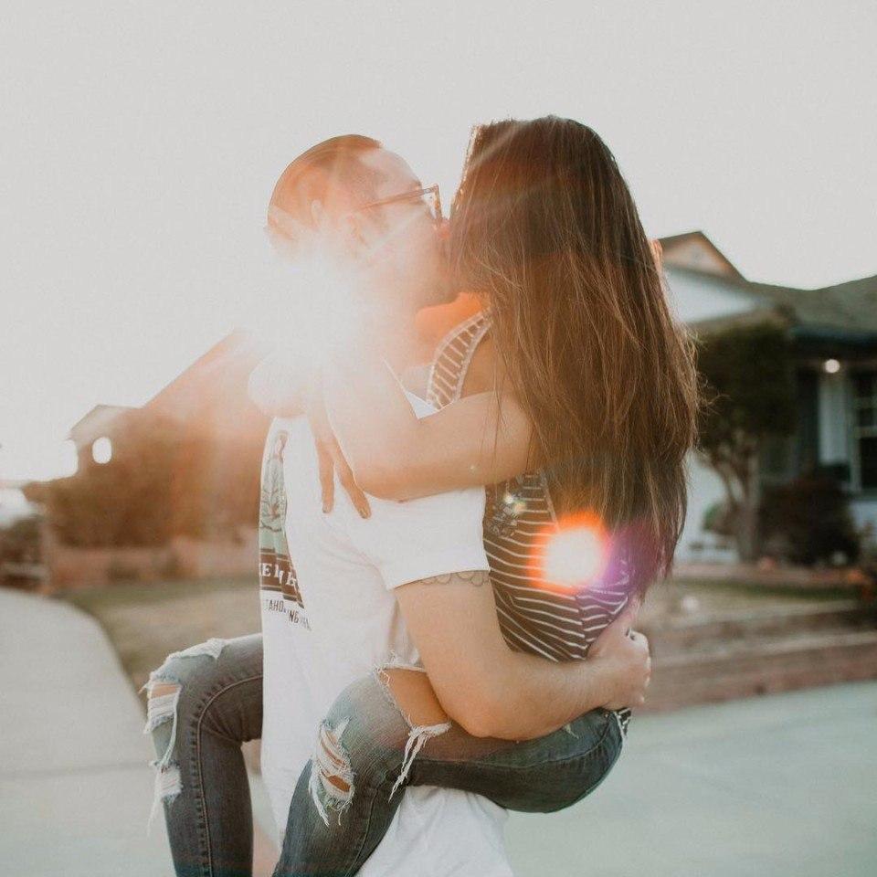 Картинки на аву девушка с парнем - самые прикольные и красивые 13
