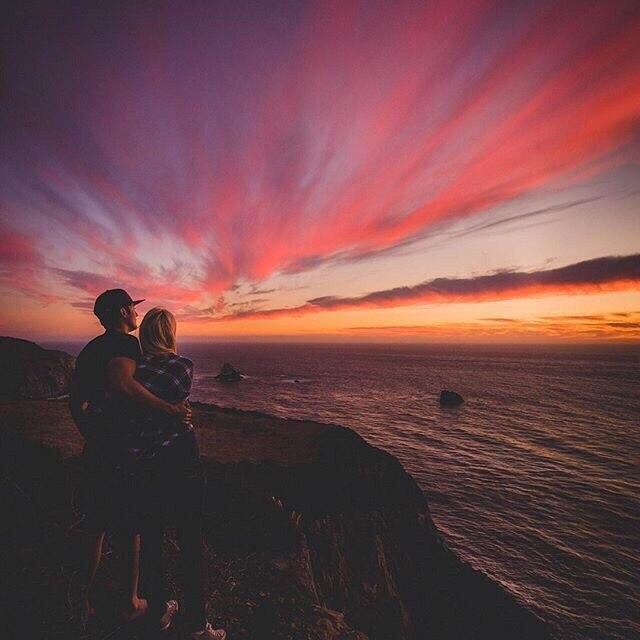 Прикольные и красивые картинки парень с девушкой обнимаются 15