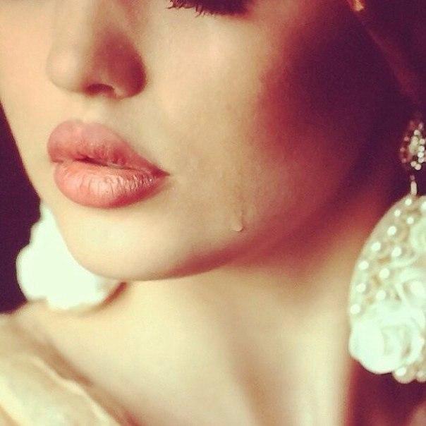 Грустные и красивые картинки слезы на аву - самые лучшие и интересные 9