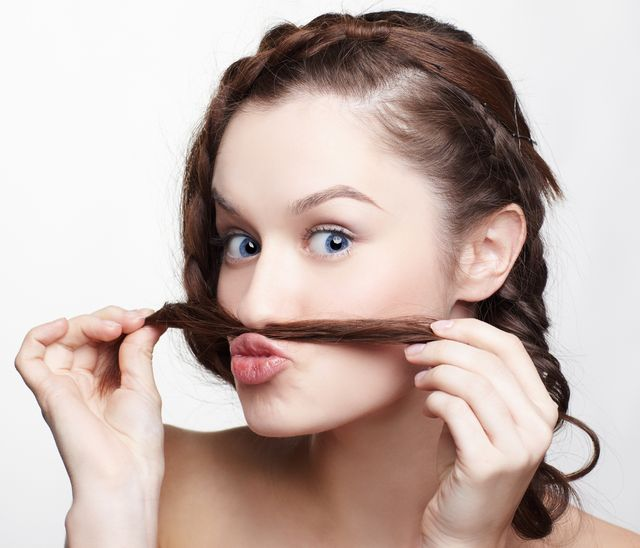 Хитрости избавления от усиков у женщин в домашних условиях 1