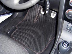 Разновидности и особенности автомобильных ковриков - плюсы и минусы 1