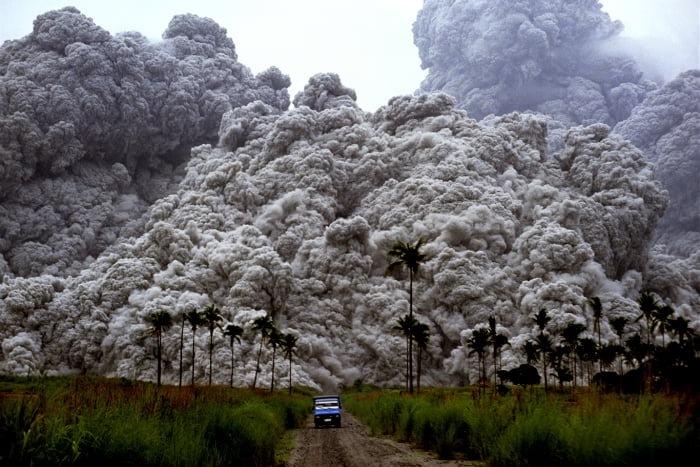 Извержение вулкана, землетрясения, лава - красивые снимки и фото 11