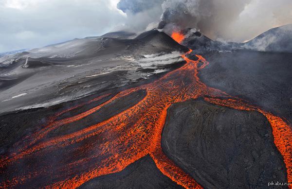 Извержение вулкана, землетрясения, лава - красивые снимки и фото 16
