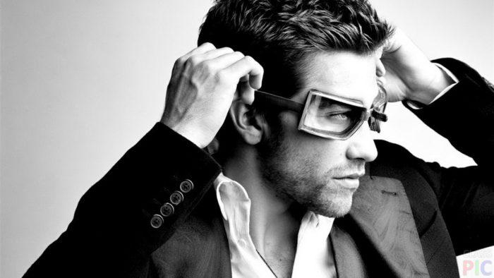 Красивые фото мужчин в очках на аватарку - лучшая подборка 15