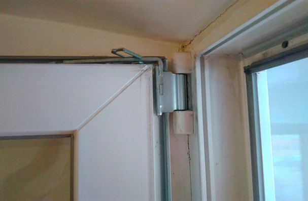 Что делать, если не закрывается балконная пластиковая дверь 2